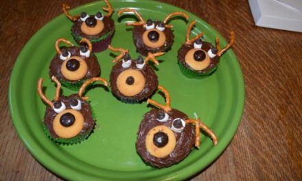 Fun Holiday Cupcakes