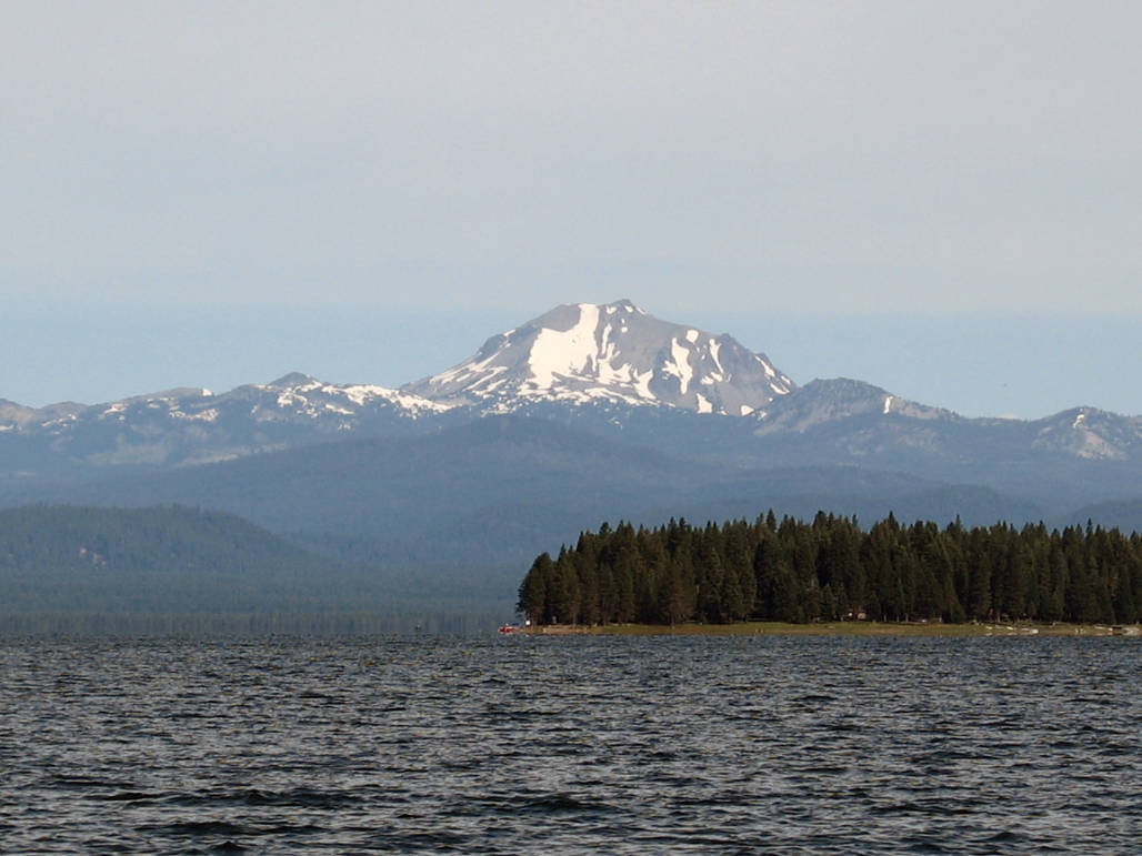 Welcome To Lake Almanor In The Fall Mountain Valley Living