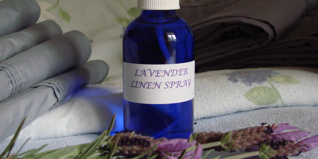 HOMEMADE LINEN SPRAY WITH ESSENTIAL OILS