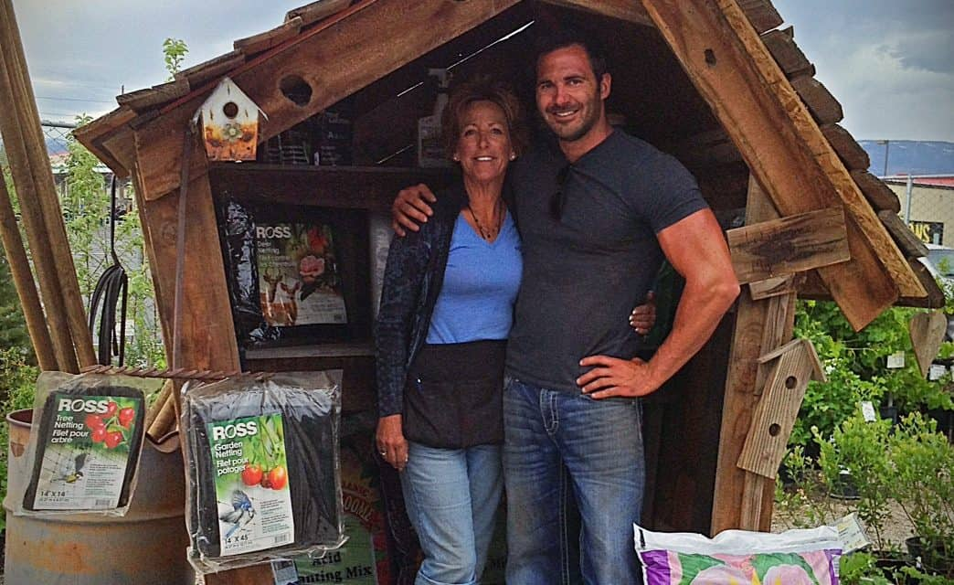 Meet The Artist C.J. & Lorrie Sanders Garden Gnome Homes