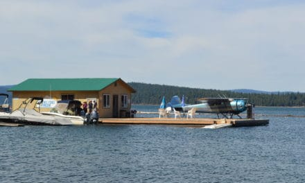 1949 Cessna 195 Lands On Lake Almanor