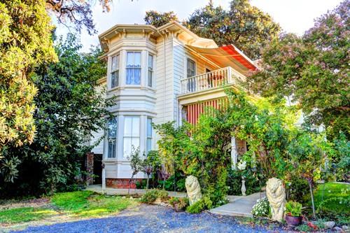 Durham House Bed & Breakfast – Victorian Charm – Durham, CA